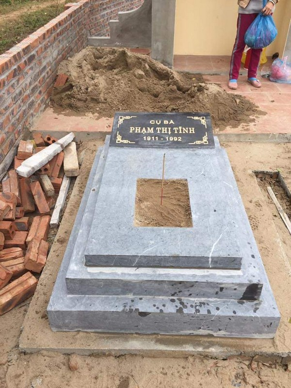 Mẫu mộ đá đẹp chuẩn kích thước lỗ ban chất lượng cao giá hợp lý