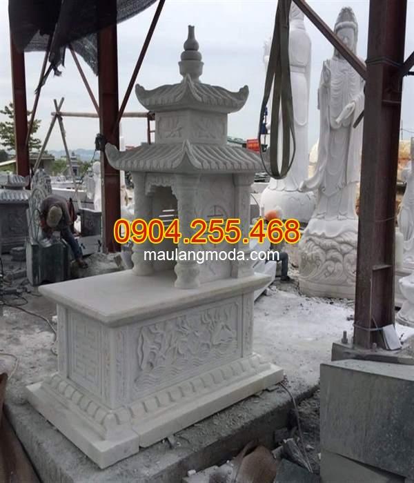 Mẫu mộ hai mái bằng đá trắng, mẫu mộ hai đao bằng đá trắng