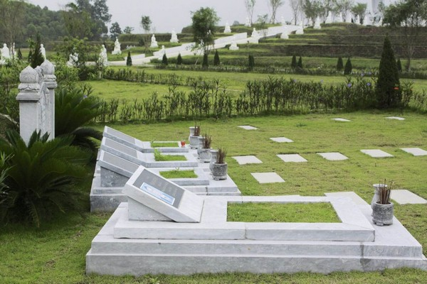 Chọn hướng mộ theo tuổi và những điều kiêng kỵ nên biết