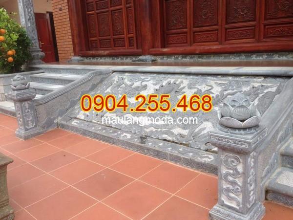 Cột đá, chân cột đá, lan can đá, bậc thềm đá tại Bắc Giang