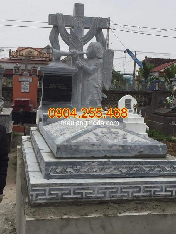 Mẫu mộ đá xanh rêu Phú Yên