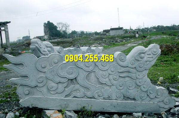 Tượng rồng đá xanh Ninh Bình có đặc tính bền chắc, màu sắc tự nhiên