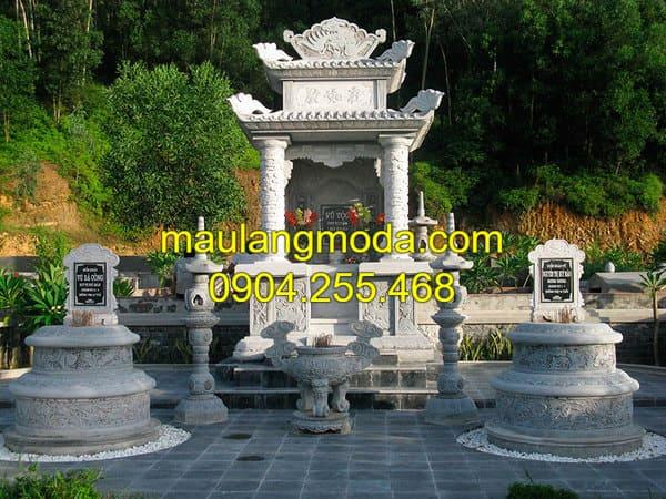 Khu lăng mộ đá gia đình được chạm khắc hoa văn tinh xảo