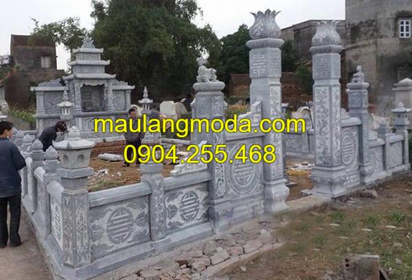 Khu lăng mộ đá cho gia đình được chạm khắc hoa văn tinh xảo