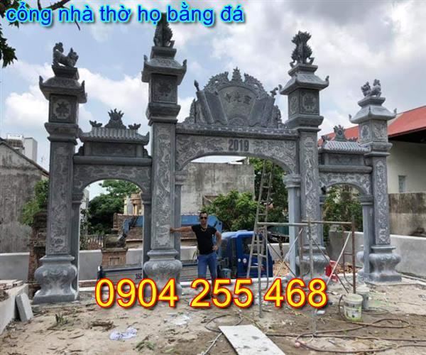 cổng nhà thờ họ bằng đá tại Hà Nội