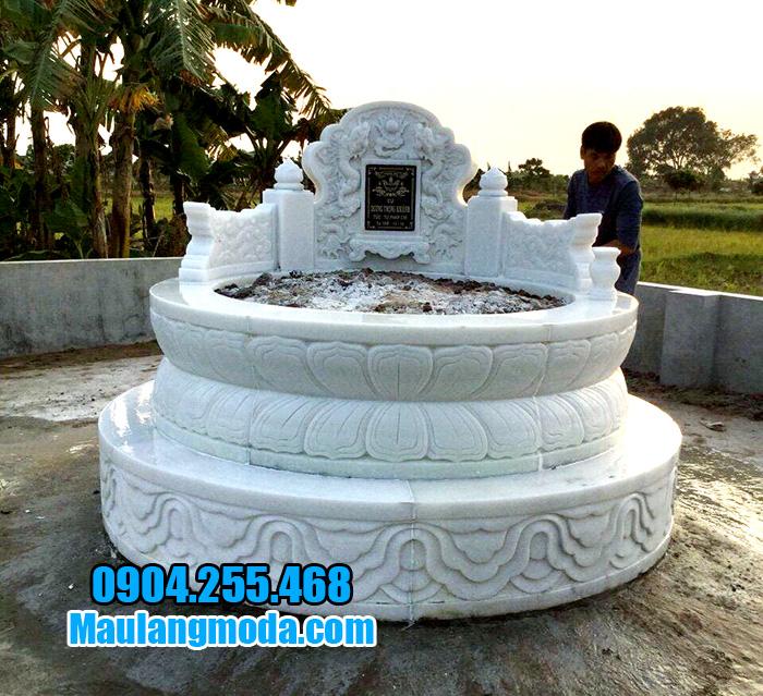 Xây mộ hình tròn bằng đá trắng