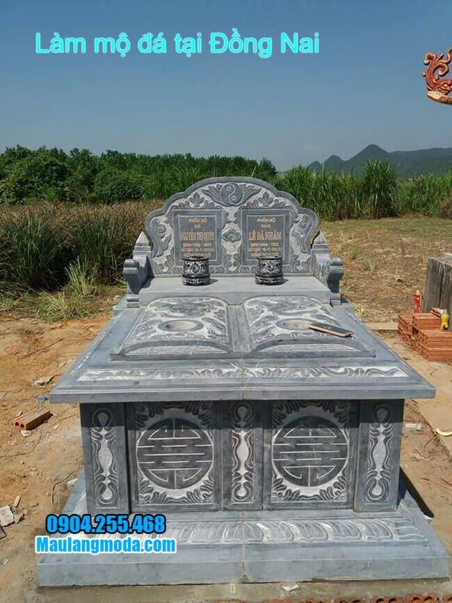 mẫu mộ đôi bằng đá xanh rêu đẹp nhất tại đồng nai