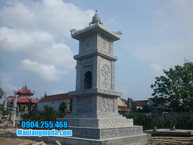 mẫu mộ tháp đá tại Quảng Bình