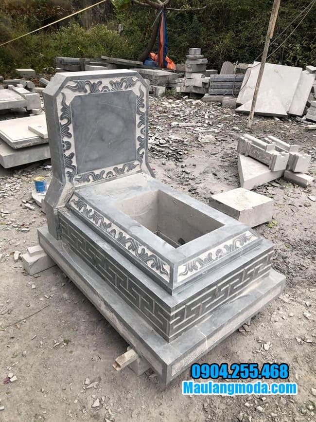mộ tam cấp đá tại tiền giang
