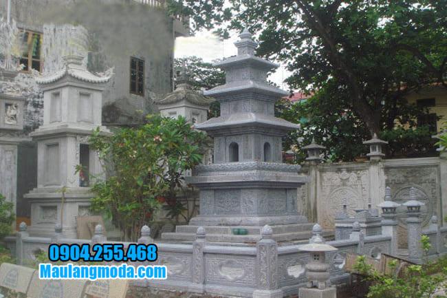 mộ tháp bằng đá tại Khánh Hoà