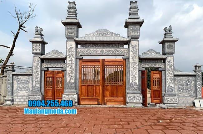 cổng tam quan bằng đá tại Hòa Bình