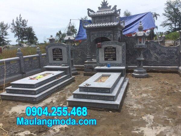 mộ đôi bằng đá tại Quy Nhơn